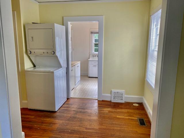 Hallway - laundry