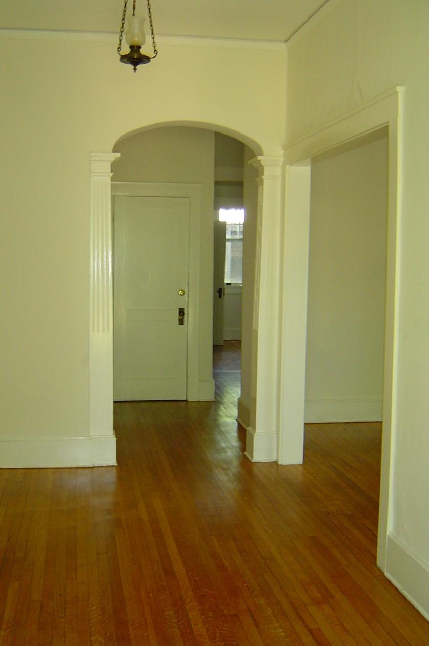 Glenburnie #1 foyer