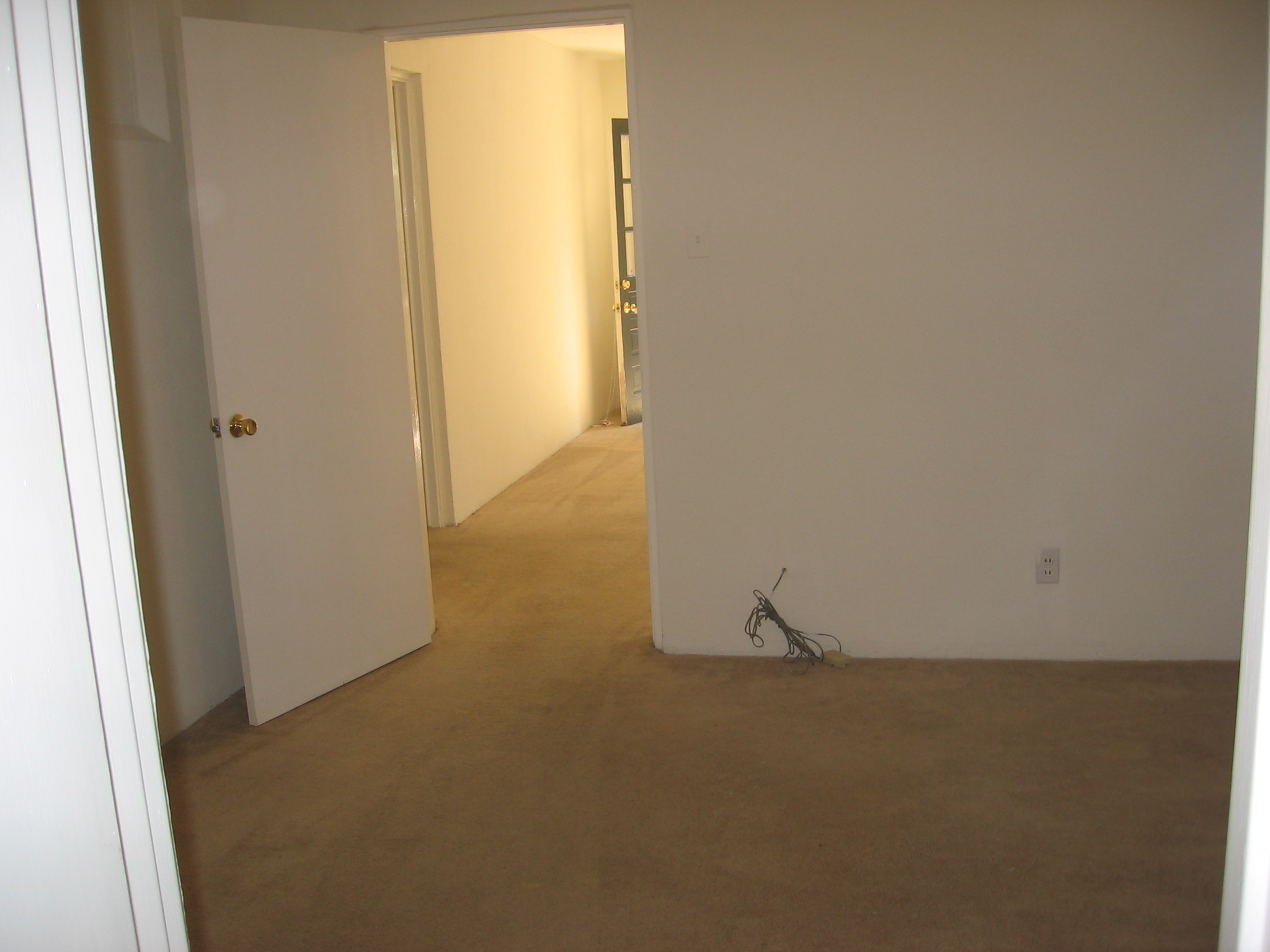Additional study/dining/bedroom - unrenovated